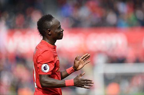 Fellaini co don trong doi hinh ket hop MU vs Liverpool - Anh 9
