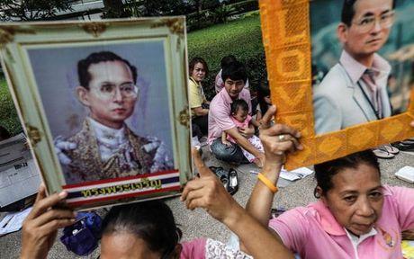 Du khach nen lam gi khi den Thai Lan dung dip quoc tang - Anh 1
