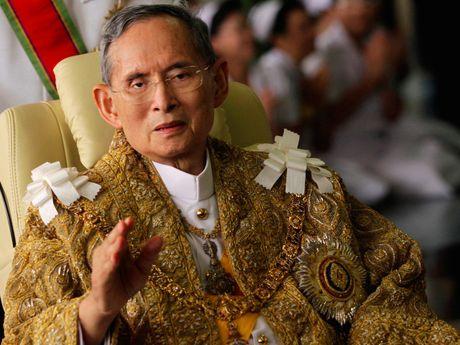 Viet Nam chia buon cung Hoang gia va nhan dan Thai - Anh 1