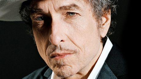 Vi sao Bob Dylan khong xung dang voi giai Nobel Van hoc? - Anh 1