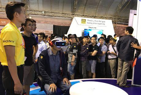 Playstation VR, Xperia ZX hut khach tai Sony Show Ha Noi - Anh 2