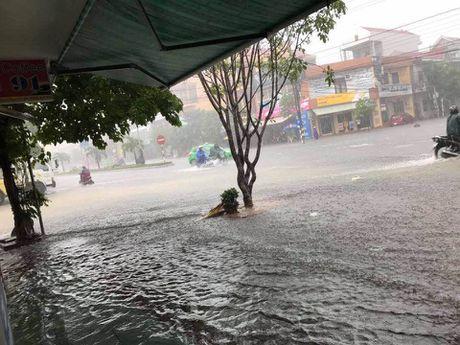 Quang Binh ngap nang, lu cuon 1 nguoi chet - Anh 1
