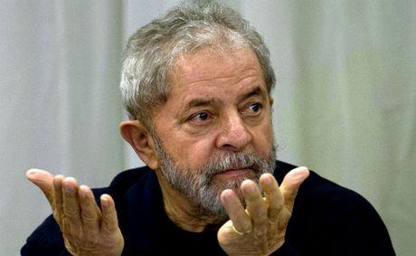 Cuu Tong thong Brazil Lula da Silva lai ra hau toa - Anh 1