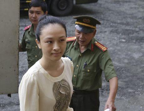 Vu HH Phuong Nga:VKS yeu cau lam ro hop dong tinh duc - Anh 1