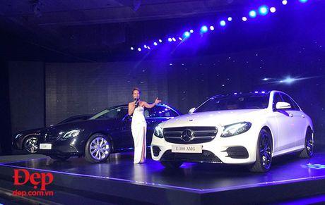 Mercedes-Benz E-Class 2017 – nhieu dot pha thong minh - Anh 1