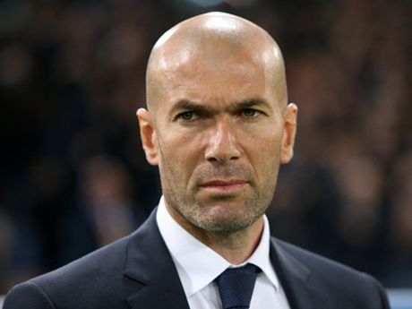 Zidane nho doi hinh o Milan - Anh 1