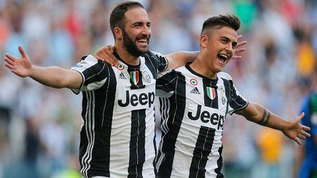 CAP NHAT toi 14/10: Khong thich Real, Sir Alex tung chao ban Ronaldo cho... Barca. Griezmann 'phan phao' Ribery - Anh 1