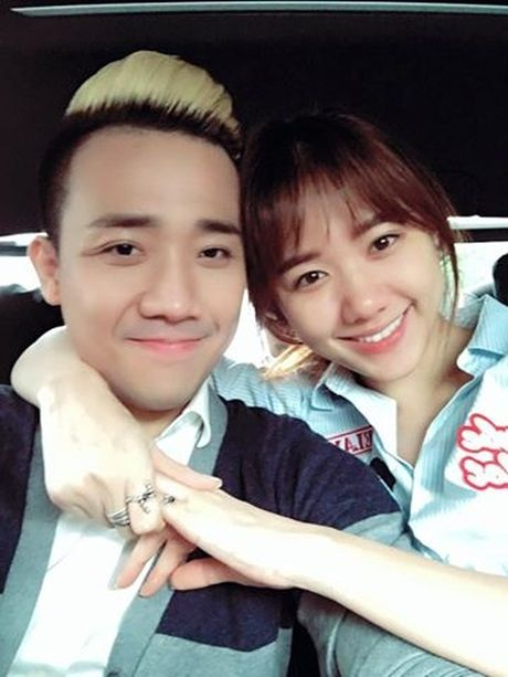 Vua mo xong, Tran Thanh va Hari Won nhu the nay day! - Anh 2
