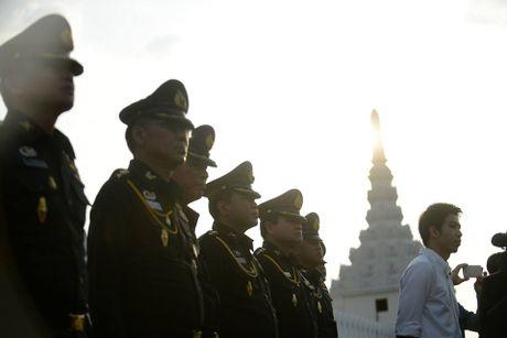 Hang van nguoi dan Thai Lan du le ruoc linh cuu Nha Vua - Anh 15