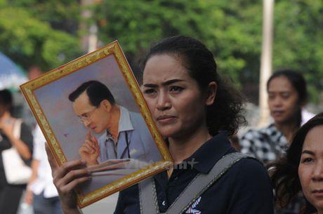 Nhung hinh anh kho quen tai le don linh cuu Nha Vua Thai Lan - Anh 3
