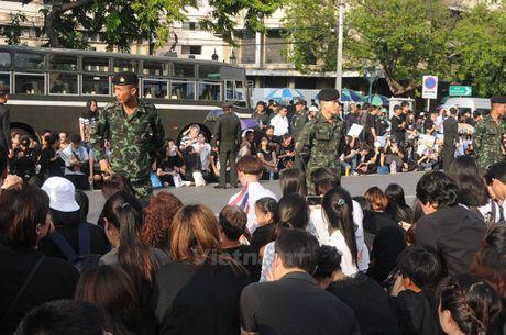 Nhung hinh anh kho quen tai le don linh cuu Nha Vua Thai Lan - Anh 9