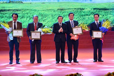 Toan canh le ton vinh Tu hao Nong dan Viet Nam 2016 - Anh 10