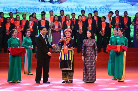 Toan canh le ton vinh Tu hao Nong dan Viet Nam 2016 - Anh 5