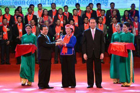 Toan canh le ton vinh Tu hao Nong dan Viet Nam 2016 - Anh 6