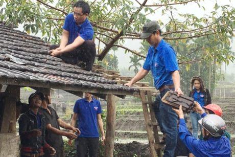Quang Ngai: 'Chu tinh' cua thanh nien voi nguoi ngheo - Anh 4
