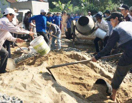 Quang Ngai: 'Chu tinh' cua thanh nien voi nguoi ngheo - Anh 6