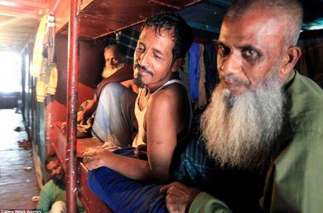 Soi 'khach san re nhat the gioi' 9.000 VND/dem o Bangladesh - Anh 10