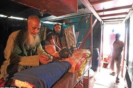 Soi 'khach san re nhat the gioi' 9.000 VND/dem o Bangladesh - Anh 11