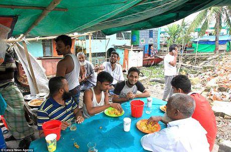 Soi 'khach san re nhat the gioi' 9.000 VND/dem o Bangladesh - Anh 3