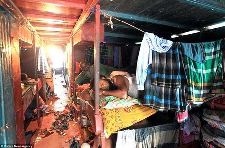 Soi 'khach san re nhat the gioi' 9.000 VND/dem o Bangladesh - Anh 5