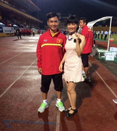 Co gai xu Nghe khien 'chang lun' U19 Viet Nam sieu long - Anh 3