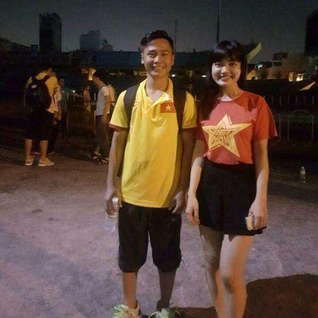 Co gai xu Nghe khien 'chang lun' U19 Viet Nam sieu long - Anh 4