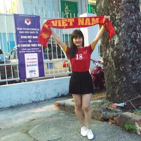 Co gai xu Nghe khien 'chang lun' U19 Viet Nam sieu long - Anh 5