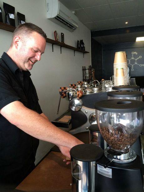 Co gi trong ly ca phe dam dac gap 80 lan espresso - Anh 4