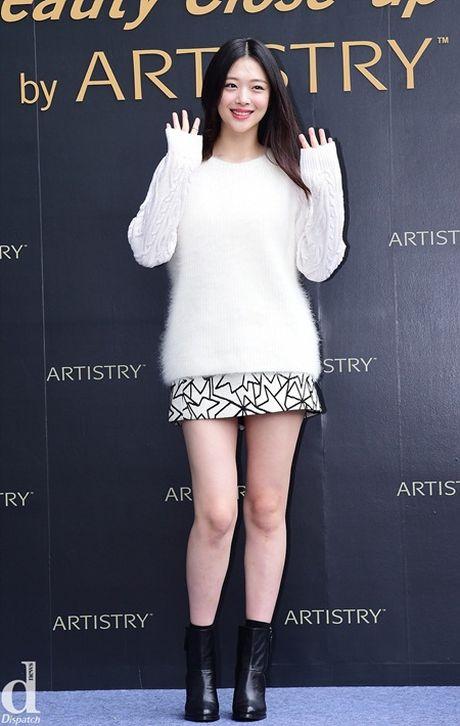 Ao len va vay ngan - thoi trang thu hoan hao cua idol nu xu Han - Anh 3