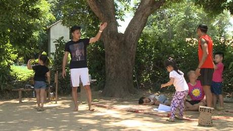 "Bo oi minh di dau the tap 24: Hong Dang vao vai cong chua ""an no ngu ky"" - Anh 5"