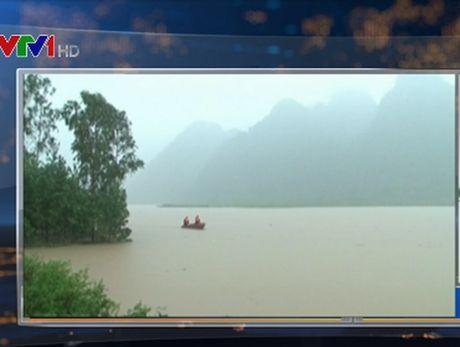Mua lu tai Quang Binh: Them 4 nguoi mat tich - Anh 1