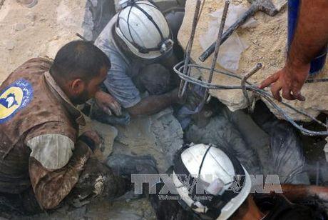 Lien quan My khong kich tai Raqqa, nhieu dan thuong Syria thiet mang - Anh 1