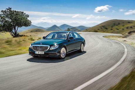 Mercedes-Benz lap ky luc doanh so lien tiep - Anh 1