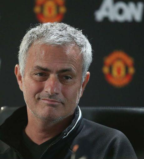 Liverpool dau MU: Mourinho khong xem Klopp la ban - Anh 2