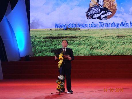 Chu tich nuoc trao danh hieu Nong dan Viet Nam xuat sac nam 2016 - Anh 2