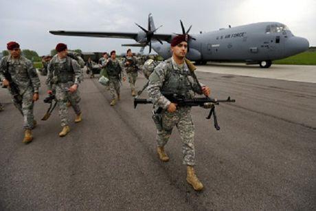 Italia dieu 140 binh si tham gia phai bo NATO tai Latvia - Anh 1