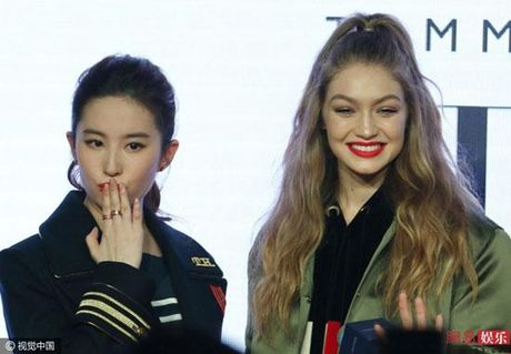 Chan dai Gigi Hadid dep lan at 'Than tien ti ti' Luu Diec Phi - Anh 6