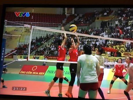 Ban ket 2 Giai bong chuyen VTV Cup: Dau an 3-0 cho tuyen Viet Nam - Anh 2