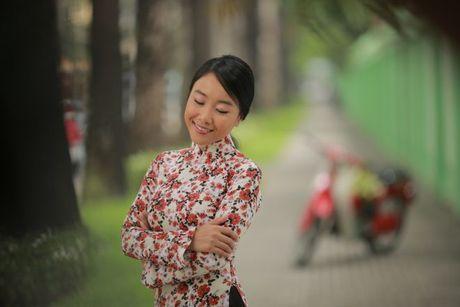 Chong Tay khong roi Doan Trang tren phim truong MV OST 'Sai Gon, anh yeu em' - Anh 1