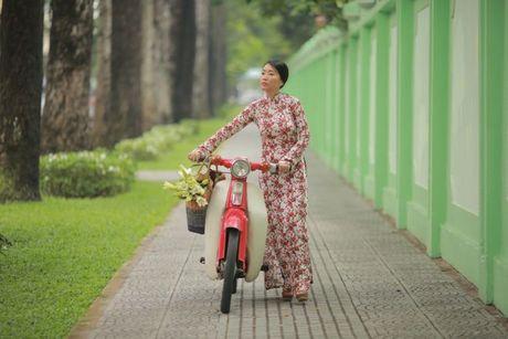 Chong Tay khong roi Doan Trang tren phim truong MV OST 'Sai Gon, anh yeu em' - Anh 7