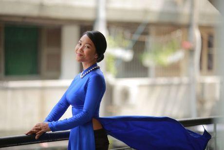 Chong Tay khong roi Doan Trang tren phim truong MV OST 'Sai Gon, anh yeu em' - Anh 8