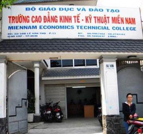 Tra lai hoc phi vi khong du hoc sinh mo lop - Anh 1
