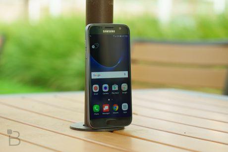 Samsung khong nen tang toc ra mat Galaxy S8 - Anh 1