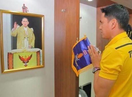 Tap the Leicester tuong niem Quoc vuong Thai Lan - Anh 7