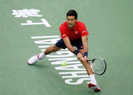 Djokovic dap vot, xe ao khi thua tai Thuong Hai Masters - Anh 2