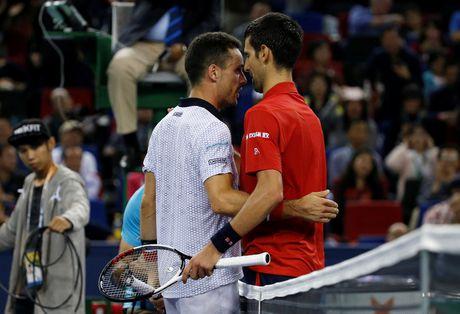 Djokovic dap vot, xe ao khi thua tai Thuong Hai Masters - Anh 6