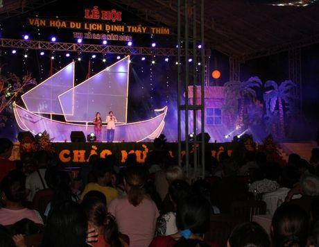 Hang nghin nguoi tray hoi Dinh Thay Thim - Anh 3
