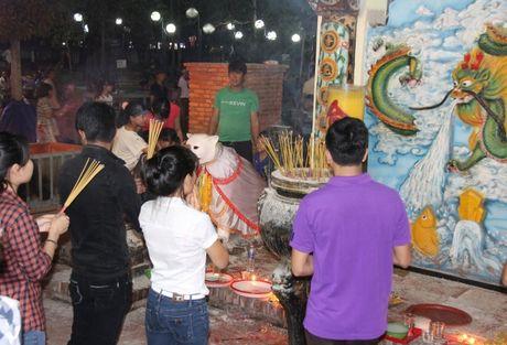 Hang nghin nguoi tray hoi Dinh Thay Thim - Anh 9