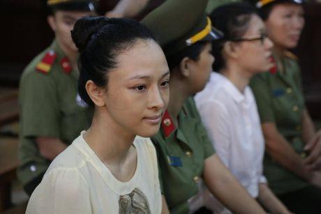 Tin moi vu Hoa hau Phuong Nga: Hop dong tinh ai la gia mao? - Anh 1