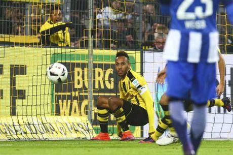 Dortmund lap ky luc bat bai san nha sau tran hoa Hertha Berlin - Anh 1